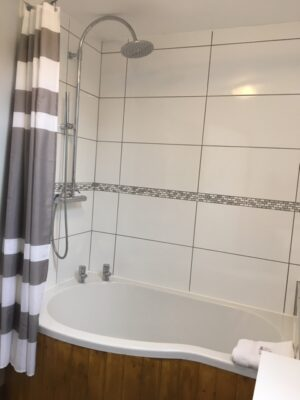 Bryniau Pell Bathroom